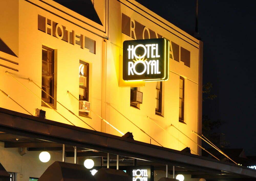 Hotel Royal Signage